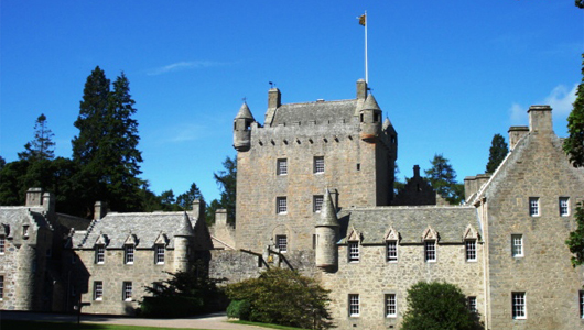 Castle-Frontage