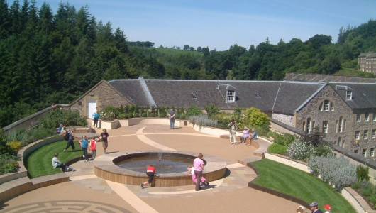 new-lanark-roof-garden-area-high-res